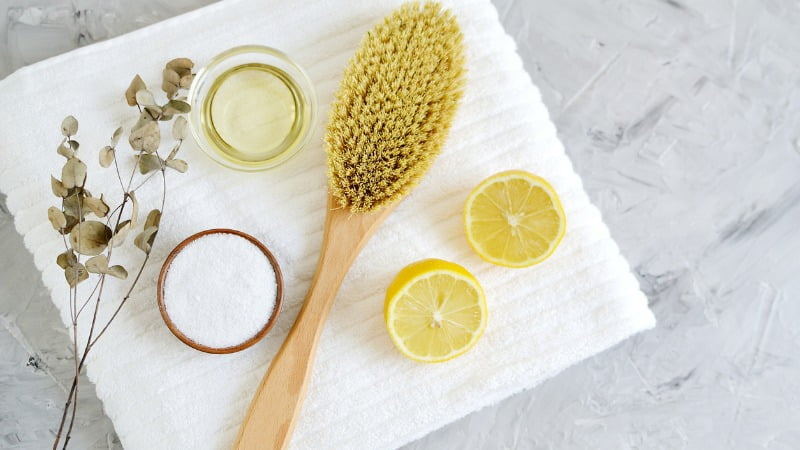 Miracle oils and brush